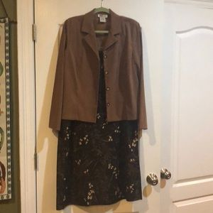 Gorgeous brown skirt and jacket duo.